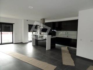 Apartamento T2 › Aradas