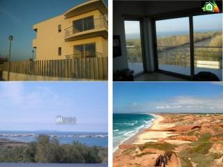 DESLUMBRANTE moradia geminada T3+1 construída em 2009 com cave, dois pisos acima do solo e quintal, a uma curta distância da Praia da ALMAGREIRA e também da praia do Baleal. | T3+1 | 3WC