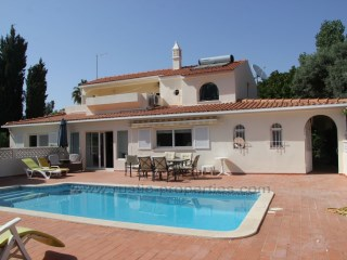 Charming 3 bedrooms villa with swimming pool near Almancil. | 3 Bedrooms | 3WC
