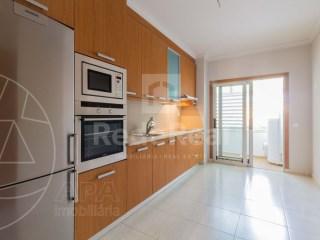 2 Bedrooms Apartment Quarteira - For sale