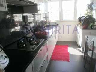 Apartamento T4 › Encosta do Sol
