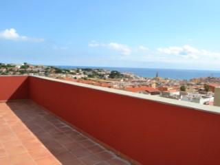 Canet de Mar, alquiler viviendas con piscina comunitaria, cerca del mar.   4 Habitaciones   3WC