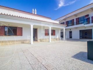 T7 Moradia Santa Bárbara de Nexe - Venda