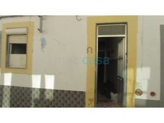 Casa antiga - Faro | T1 | 1WC
