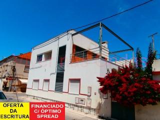 Imóvel de banco. Financiamento c/ excelente spread. Moradia V3 c/ garagem e logradouro, em Alhos Vedros. | T3