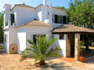 House 5 Bedrooms + 1 Interior Bedroom › Santa Bárbara de Nexe