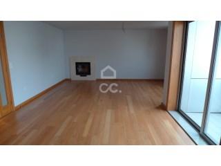Apartamento › Vila Nova de Famalicão   T4   2WC
