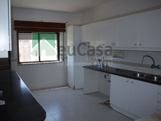 Apartamento T2 Triplex › Pinhal Novo