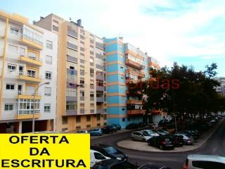 Apartamento T2 › S.Julião, N.S. da Anunciada e S.Maria da Graça