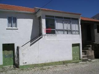 Casa Antiga › Moimenta da Beira |