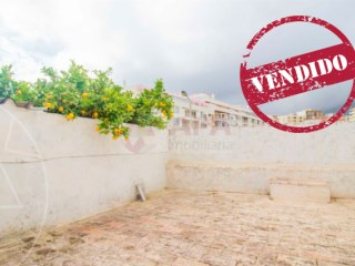 1 Bedroom Old House Faro (Sé e São Pedro) - For sale