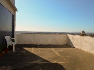 Apartamento T2 com Terraço e Vista Sobre a Cidade, Zona Central, Para Venda | T2 | 1WC