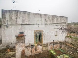 2 Bedrooms Old House Santa Bárbara de Nexe - For sale