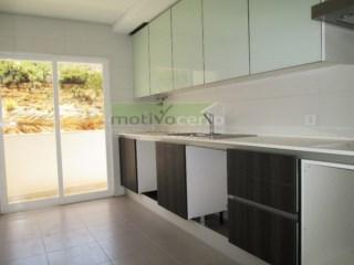 Apartamento T2 › Rio de Mouro