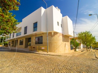 4 Pièces + 1 Chambre intérieur Maison Faro (Sé e São Pedro) - Acheter