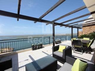 Apartamento › Faro | T5 Duplex | 6WC