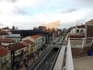 Andar T3 - recuado c/terraço - Av. Liberdade - Braga | T3