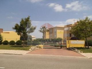 Vende-se - Apartamento T2 em Condomínio fechado com piscina em Vilamoura | T2 | 2WC