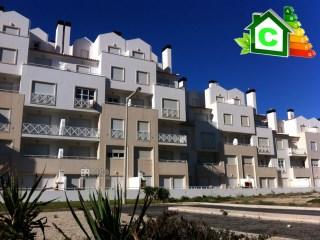 1049A - Apartamento de 3 assoalhadas situado no Baleal Sol-village II com uma linda vista para o mar e praia. | T2 | 1WC