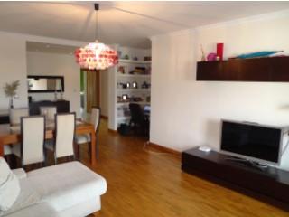 Apartamento T3 › S.P., Santiago, S.M. Castelo e S.Miguel, Matacães