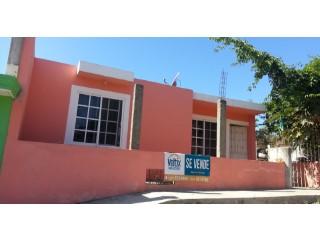 HERMOSA CASA CERCA DEL CLUB CAMPESTRE DE GOLF   2 Habitaciones + 2 Estancias
