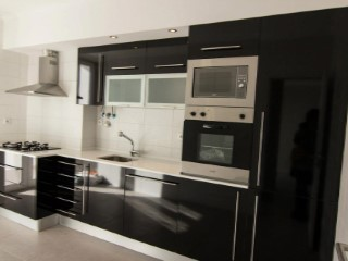 Apartamento em Queijas remodelado   T2 Triplex   1WC