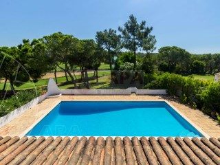 4 Bedrooms Villa Almancil - For sale