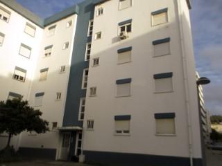 Apartamento T2, Imóvel de Banco Perto do Centro de Saúde, Para Venda › Santarém