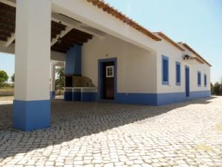 Casa Rústica T4+1 Nova com Traça Ribatejana, a Menos de 1 Hora de Lisboa e da Praia, para Venda | T4+1
