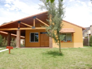 Casa en Solar del Valle -  Valle Grande | 2 Dormitorios + 3 Estancias