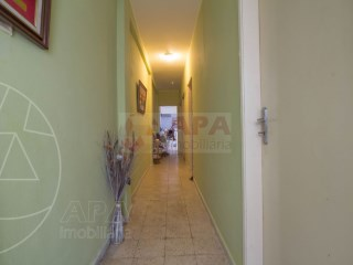 T3+1 Casa Antiga Faro (Sé e São Pedro) - Venda
