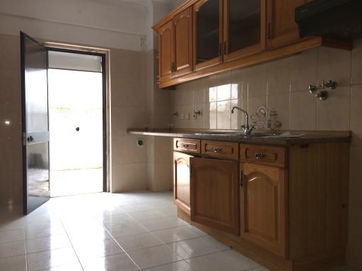 Apartamento 3 assoalhadas com logradouro, Famões, Odivelas | T2 | 2WC