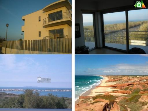 DESLUMBRANTE moradia geminada T3+1 construída em 2009 com cave, dois pisos acima do solo e quintal, a uma curta distância da Praia da ALMAGREIRA e também da praia do Baleal.   T3+1   3WC