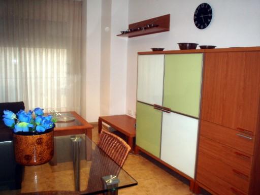 Piso en el centro del pueblo, con ascensor | 2 Habitaciones + 1 Estancia