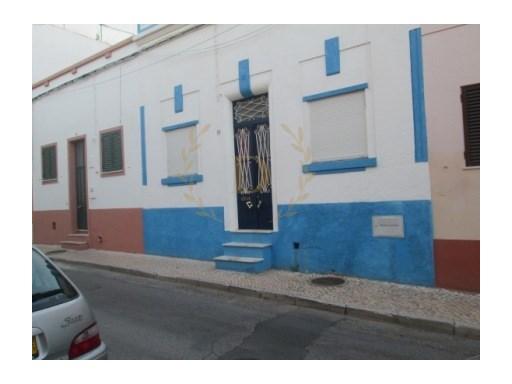 Casa Térrea T4 › Portimão
