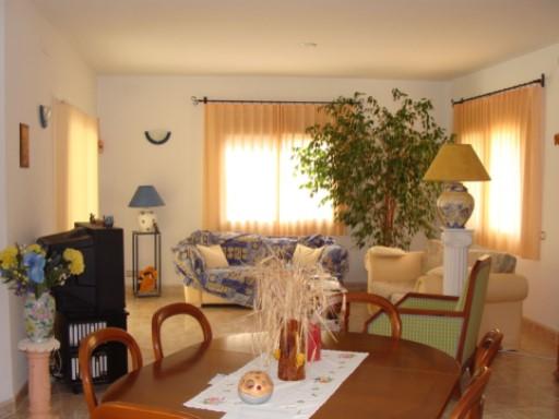 Se vende casa en Sant Jordi de Alfama, con piscina   4 Habitaciones + 3 Estancias