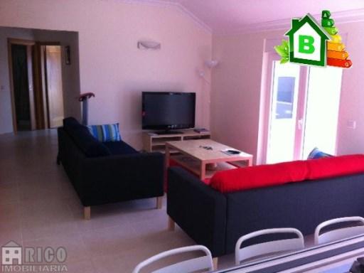 993A - Excepcional Apartamento de 4 assoalhadas, situado no BALEAL junto ao mar.