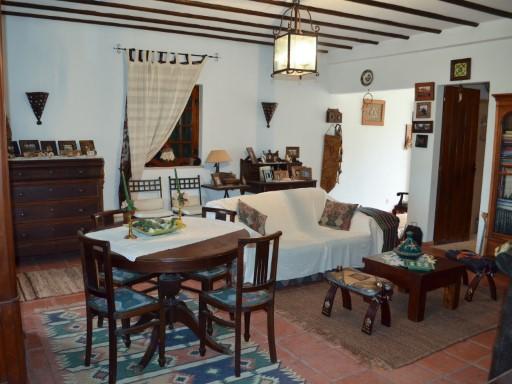 Casa Rústica T4 › Romeira e Várzea