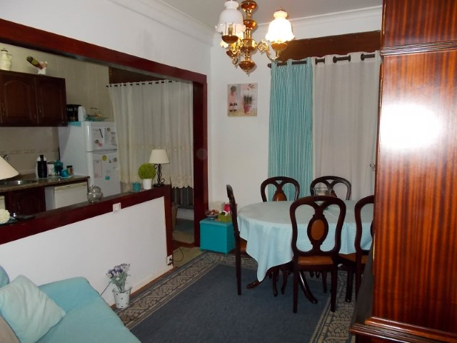 Apartamento T3 em Bom Estado, no Centro de Santarém, Para Venda