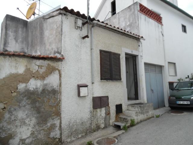 Moradia T3 › Torres Novas (São Pedro), Lapas e Ribeira Branca