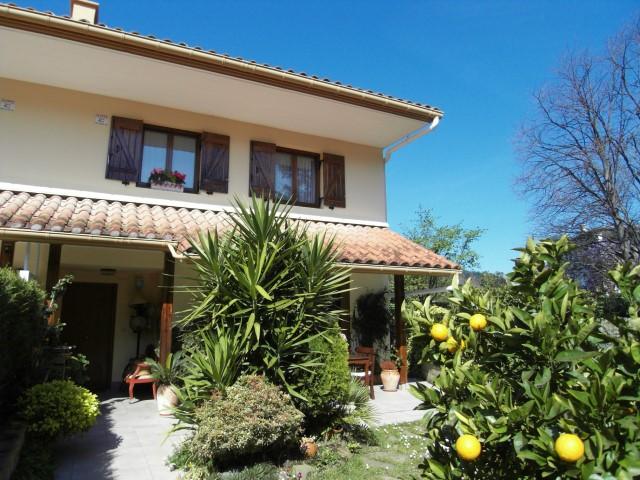 Villa adosada en venta en Hondarribia