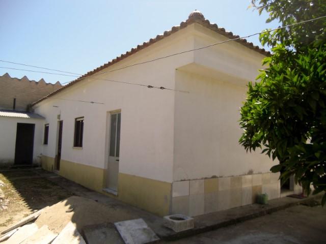 Moradia T3 Térrea com Terreno e Poço, a Menos de 1 Hora de Lisboa, Para Venda
