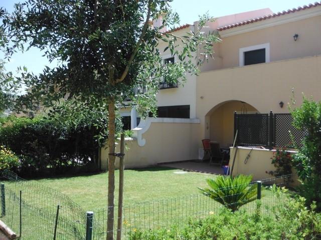 Encantadora moradia com terraço e jardim!!
