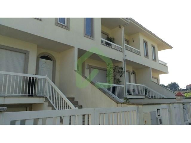 Moradia T2+1 em excelente estado, situada entre a freguesia de Joane e a cidade de V. N. de Famalicão!