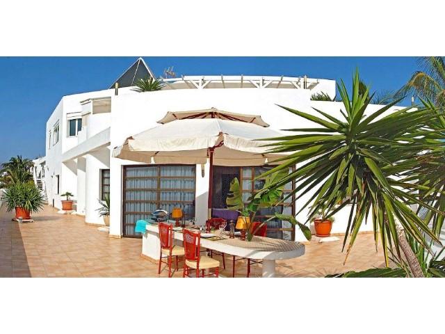 Chalet, Villa en venta con vistas al mar, en Puerto Rico, Gran Canaria.