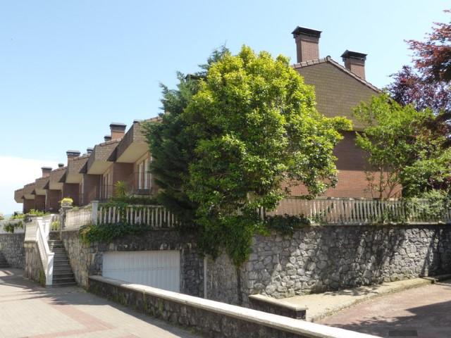 Villa adosada de esquina, Amunarriz agencia inmobiliaria.