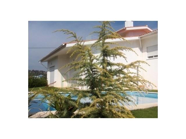 Moradia T3 com piscina