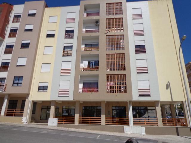 Apartamento T3 Triplex › Torres Novas (São Pedro), Lapas e Ribeira Branca