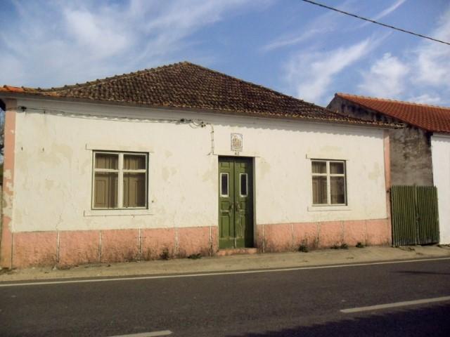 Casa Térrea  › Achete, Azoia de Baixo e Póvoa de Santarém