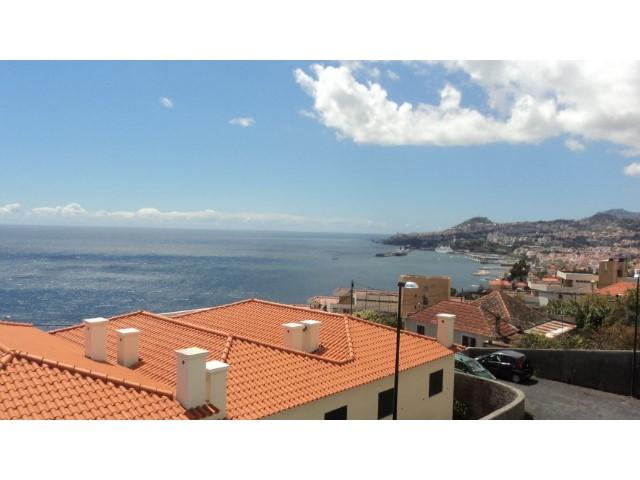 Moradia Funchal T3+1 como Nova com vista mar a 50 metros do Mar | T4 | 4WC